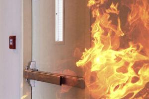 Для чего нужны огнестойкие противопожарные двери?