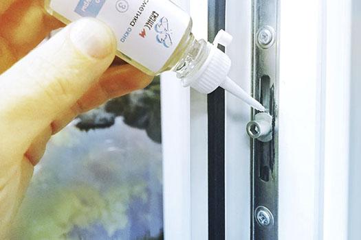 Как ухаживать за пластиковыми окнами?