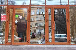 Алюминиевые холодные двери